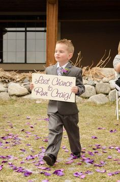 Funny Wedding Photos because the bride is crazy and awful and this is funny! - These wedding signs get right to the point! Wedding Ceremony, Our Wedding, Dream Wedding, Trendy Wedding, Ceremony Signs, Wedding Country, Crazy Wedding, Country Engagement, Wedding Shot