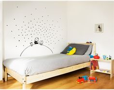 Cricut Inspiration - Cut Simple Stars With Your Cricut Explore And Simply Add Them On Your Wall In A Random Pattern