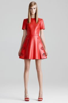 Alexander McQueen Resort 2015 Fashion Show