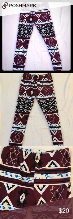 🎊cute Euc Aztec print leggings Euc Aztec print leggings Pants Leggings