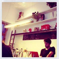 Ten Belles Cafe  Paris