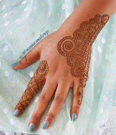 Kids hand! party henna in a lace style. check out www.soniacollection.com or @soniacmakeup for more