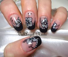 Damn Cool Nail Art Designs to try in 2014 Nail Polish Designs, Cute Nail Designs, Acrylic Nail Designs, Perfect Nails, Gorgeous Nails, Pretty Nails, Black And White Nail Art, Black White, Flower Nail Art