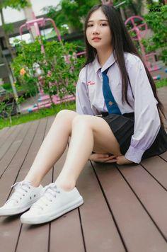 School Girl Japan, School Girl Dress, Japan Girl, Japan School Uniform, Japan Japan, Beautiful Japanese Girl, Beautiful Asian Women, Cute Asian Girls, Cute Girls