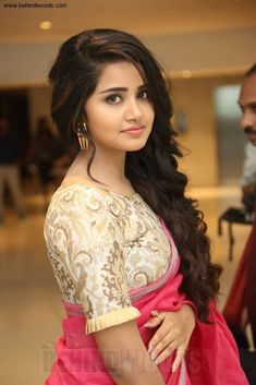 Anupama Parameswaran sexy pics are an eye feast for her fans. Here are the bold and hot images of Anupama Parameswaran from her hot photoshoots. Do check out Sizzling images of Anupama Parameswaran in saree, Jeans etc Most Beautiful Bollywood Actress, Beautiful Actresses, Anupama Parameswaran, Saree Photoshoot, Most Beautiful Images, Beautiful Girl Indian, Beautiful Women, Indian Beauty Saree, Indian Sarees