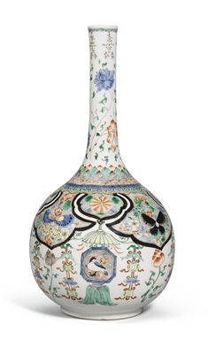 (Qing dynasty) Famille Verte. A Famille Verte porcelain Bottle Vase. Kangxi period, Qing dynasty, China.