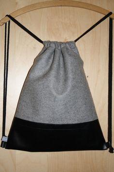 Turnbeutel/Rucksack/Backpack/Stringback/Gymbag aus Wollfilz und Kunstleder jetzt neu im Shop!