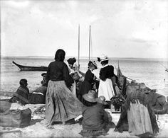 Women shopping for baskets on the beach, Port Townsend, ca. 1895, UW Library American Indians of the Pacific Northwest Collection
