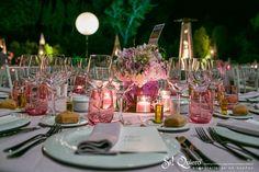 mesa e iluminacion boda noche en jardin