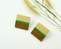 Women square earrings, wooden green grass big stud earrings, simple elegant womens gift, handmade painted earrings Wood Earrings, Etsy Earrings, Earrings Handmade, Best Friend Gifts, Gifts For Friends, Gifts For Her, Zodiac Birthday Signs, Wall Art Crafts, Square Earrings