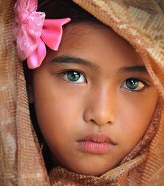 Beautiful precious eyes, beautiful children ve cool eyes. Pretty Eyes, Cool Eyes, Beautiful Eyes, Beautiful World, Beautiful People, Amazing Eyes, Simply Beautiful, Precious Children, Beautiful Children