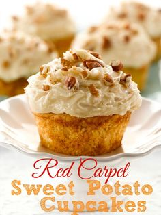 Red Carpet Sweet Potato Cupcakes (Giveaway) recipe from The Country Cook. These are made with a muffin mix! Lots of ways this could be changed up too. Oh and that frosting! To die for! Sweet Potato Cupcakes, Sweet Potato Muffins, Sweet Potato Recipes, Potato Pie, Mini Cakes, Cupcake Cakes, Cup Cakes, Just Desserts, Delicious Desserts
