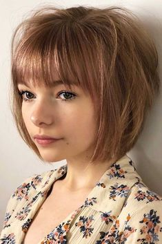 24 Fantastic Choppy Bob Hairstyles For All Moods And Occasions Choppy Straight Bob With Blunt Bangs Medium Bob Hairstyles, Short Bob Haircuts, Straight Hairstyles, Hairstyles Haircuts, Trendy Hairstyles, Choppy Bob With Bangs, Bob Haircut With Bangs, Blunt Bangs, Medium Bob With Bangs