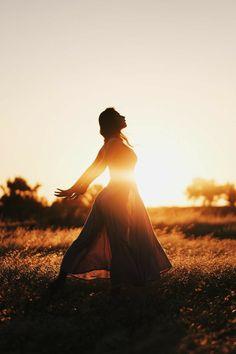 Summer Photography, Photography Women, Creative Photography, Artistic Photography, Nature Photography, Portrait Photography Poses, Backlight Photography, Portraits, Silhouette Photography