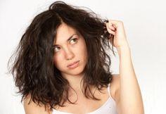 Os cabelos são bastante sensíveis a muitos fatores, entre eles, os mais comuns são escovas definitivas ou progressivas, o uso de secadores, chapinhas,