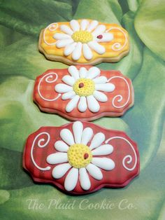 Flower Cookies // The Plaid Cookie Company