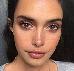 Natural Makeup - Experts weigh in on whether this beauty trend is legit -- or all hype - You only need to know some tricks to achieve a perfect image in a short time. Makeup Goals, Makeup Inspo, Makeup Inspiration, Makeup Ideas, Makeup Tutorials, Makeup Hacks, Makeup Designs, Makeup Routine, Daily Inspiration