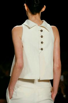 Carolina Herrera Spring 2014 RTW - Details - Fashion Week - Runway, Fashion Shows and Collections - Vogue Más Fashion Details, Look Fashion, New Fashion, Runway Fashion, Trendy Fashion, Vogue Fashion, Fashion Spring, Milan Fashion, Fashion 2017