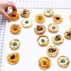 Mediterranean Pitas Pita Recipes, Pita Pockets, Sushi, Crisp, Muffin, Appetizers, Vegetarian, Baking, Breakfast