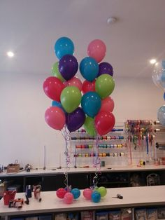 Love this mix of fashion rose, wildberry, tropical teal & lime balloons!