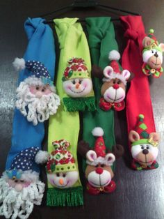 Bufandas #decoraciondebaños Mary Christmas, Christmas Crafts, Christmas Decorations, Christmas Ornaments, Holiday Decor, Ugly Xmas Sweater, Theme Noel, Small Quilts, Holidays And Events