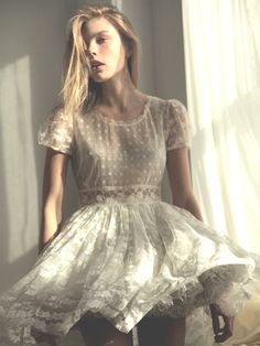 love afternoon sun, soft shades, delicate lace
