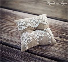 "Mia - 6x6"" Wedding ring pillow - Wedding ring bearer - Ring pillow bearer…"