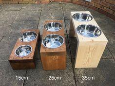 Raised Dog Bowls, Dog Bowl Stand, Wooden Pallet Projects, Wood Dog, Dog Feeder, Pet Furniture, Pet Bowls, Diy Stuffed Animals, Dog Houses