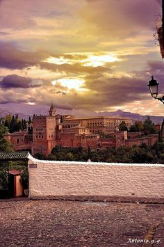 #Granada #Alhambra #Sunset Alhambra Spain, Granada Spain, Andalusia Spain, Bay Of Biscay, Iberian Peninsula, Moorish, Countries Of The World, Places To Visit, Sunset