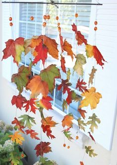 Creative DIY Craft Projects with Fall Leaves --> Autumn Leaves Windcatcher Kids Crafts, Easy Fall Crafts, Leaf Crafts, Fall Crafts For Kids, Fall Diy, Autumn Fall, Fall Halloween, Halloween Crafts, Holiday Crafts