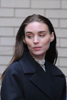 rooney-mara-out-and-about-in-new-york-10-04-2015_1.jpg (1200×1803)