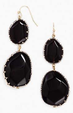 Bold drop earrings http://rstyle.me/n/ny7cznyg6