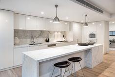 Modern Hardwood Flooring Design Ideas For Your Kitchen 10 Kitchen Room Design, Kitchen Layout, Home Decor Kitchen, Interior Design Kitchen, Home Kitchens, Small Modern Kitchens, Tuscan Kitchens, Traditional Kitchens, Interior Modern