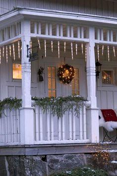 Swedish House, Christmas Time, Pergola, Farmhouse, Design Inspiration, Outdoor Decor, Porches, Home Decor, Cottages