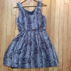 Madewell Snake Printed Dress Size 4 Madewell deep purple and grey snake printed tank dress. Gathered on top and cinched elastic waist. Broadway & Broome on tag (Madewell brand). Bundle discount & all offers considered! Madewell Dresses Mini