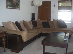 """Apartment in Santa Monica, United States. Located on a quiet, tree-lined street, with many windows and plants, queen bed and huge living room couch, 50"""" TV with bluray. A/C in living room/kitchen, fan in bedroom. Permit pass for easy street parking.  On the east side of Santa Monica, givi..."""