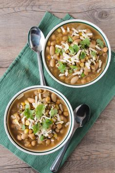 White Chickpea Chili - a healthy and easy vegetarian twist on white chicken chili