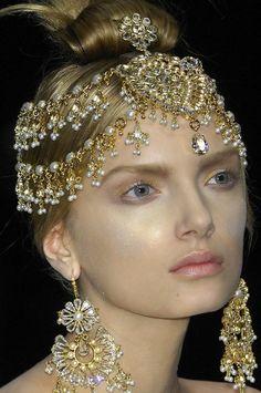 Tiaras de Noiva Indianas de Alexander McQueen - Alexander McQueen Indian Bridal Headpieces
