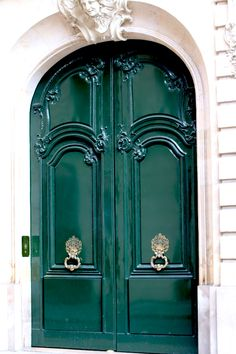 green doors in paris