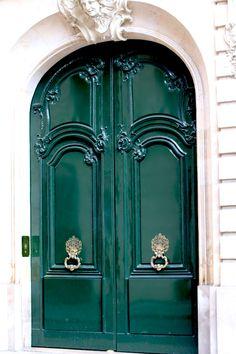 puertas verdes en París
