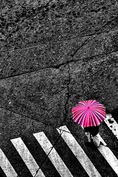 Under Her Umbrella ela ela ...
