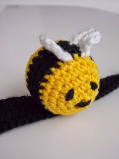 Bijtje (gratis patroon) / bee (free pattern) Yarn Projects, Projects To Try, Crochet Baby, Maya, Cute Babies, Bunny, Diy Crafts, My Favorite Things, Knitting