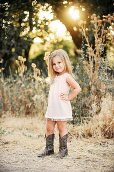 I need to get my little girl some boots for the rodeo!! Can't forget the hat too!!