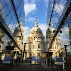 Just in front of St Paul's Cathedral, small shopping centre with a terrific view!