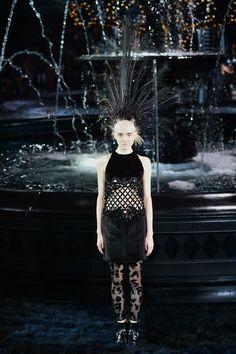 LOUIS VUITON - LE DÉFILÉ PRINTEMPS-ÉTÉ 2014 – FASHION WEEK DE PARIS http://fashionblogofmedoki.blogspot.be/2013/10/louis-vuiton-le-defile-printemps-ete.html