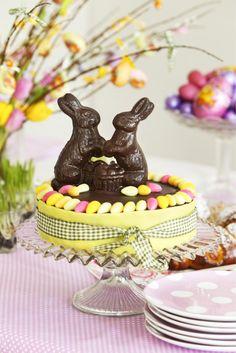 Juhlava pääsiäiskakku