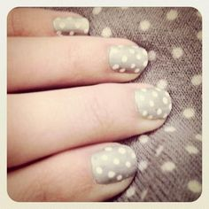 I have got to get some grey nail polish! I wonder if the pointy end of a toothpick or the flat end would work better to make the polka-dots...