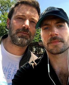 Henry or ben? 😎😎👇 Please answer my question😁😍💗 . Ben Affleck, Henry Cavill, Scruffy Men, Bubbline, Famous Men, Famous People, Batman Vs Superman, Celebrity Dads, Dreams