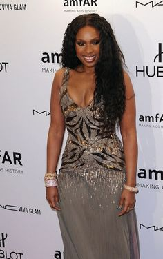 Oh mighty gorgeous you look beautiful. Jennifer Hudson :)
