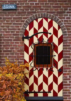 Skab en helt unik dør, som alle husker med et farverigt mønster!
